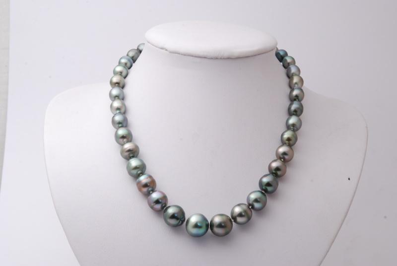 Collier en chute perles de Tahiti cerclées Dsc_2533