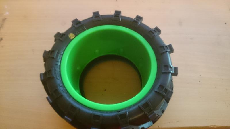 """[Astuce] Monter des pneus 2.8"""" sur des jantes Maximizer 3.2"""" Dsc_0316"""