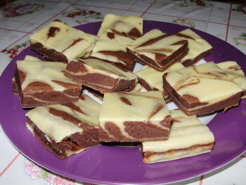 Carré marbré aux petits suisses et chocolat caramel Tartel11