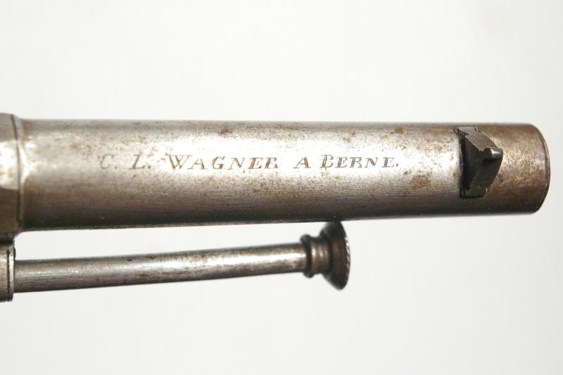 Identification vieux revolver (suisse?) Pinfir11