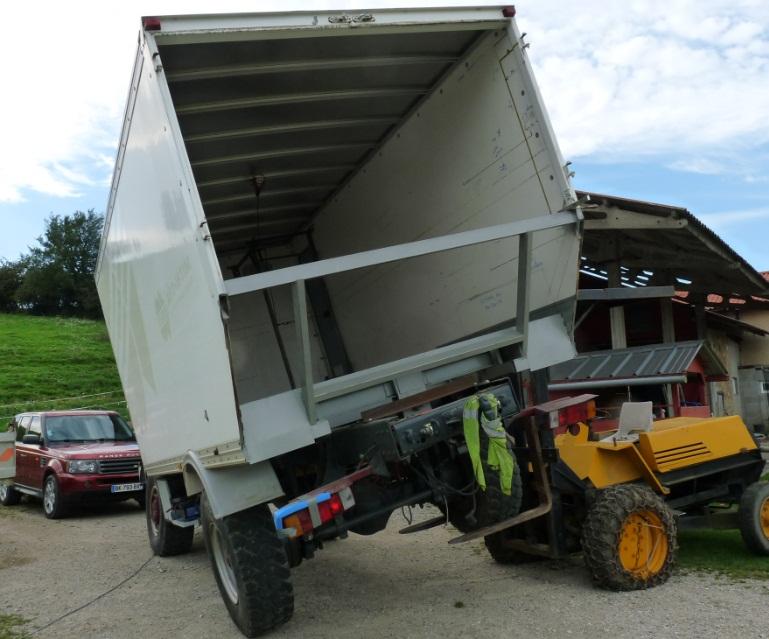 camping car à partir d'un Renault 110-170 4x4 : Ver1210