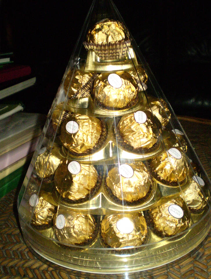 Ferrero Rocher - Page 3 Pc250010