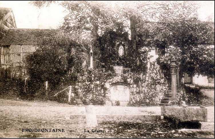 Les répliques de la grotte de Lourdes - Page 2 2014-344
