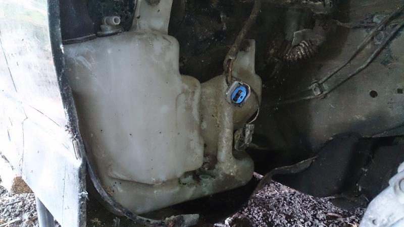 changement de pompe de lave glace  Dsc_0141