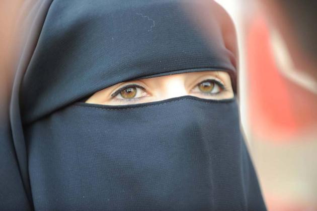 L'islamisation, mythe ou réalité ?  - Page 2 Niqab-10