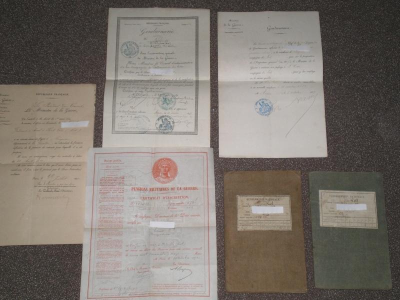 papiers divers et livrets d'un Gendarme.... 00124