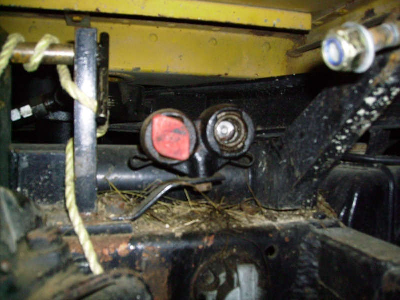 fixation tuyau hydraulique 421 Imgp0018