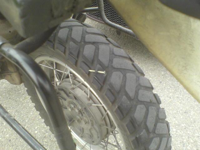 Essais monte de pneumatiques enduro ... Dsc00210