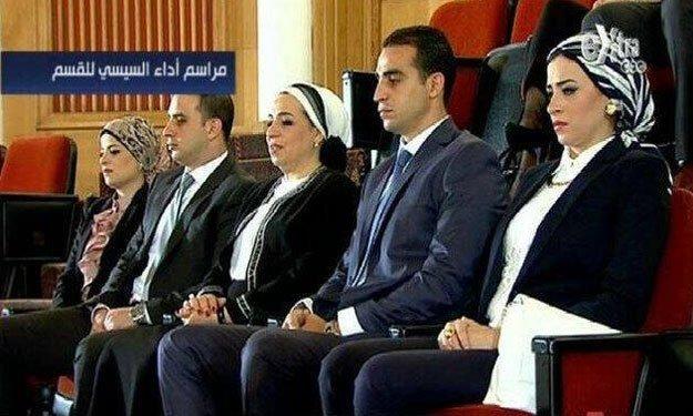 صور زوجة و ابناء و عائلة الرئيس المشير عبد الفتاح السيسي Dd_20110