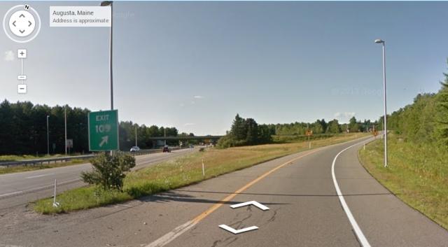 AUGUSTA - Etat du MAINE. 7 septembre 2014 - Une famille observe un triangle planant dans le ciel lors d'une balade en voiture.  Ausgus11