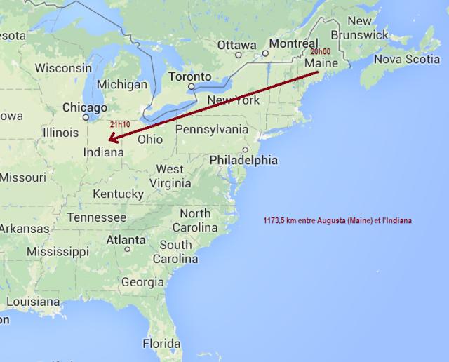 INDIANA – USA – 7 septembre 2014 – OVNI triangulaire volant au-dessus d'une ville.  Indian10