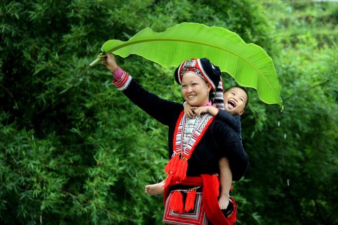 Khoảnh khắc cuộc sống bình dị, nên thơ ở làng quê Việt Cuoc-t13