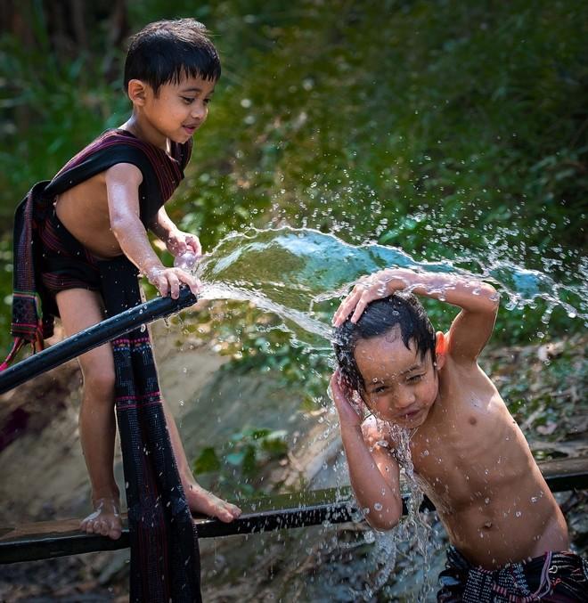 Khoảnh khắc cuộc sống bình dị, nên thơ ở làng quê Việt Cuoc-t28