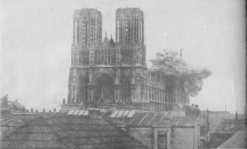 La cathédrale de Reims en 1914. 1024px11