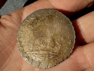 Counterfeit 1897 Un Peso? Pb110010