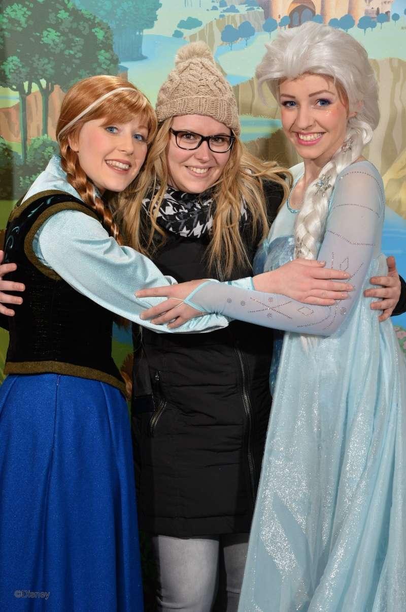 Princess Pavilion avec Anna et Elsa - Page 4 13031512