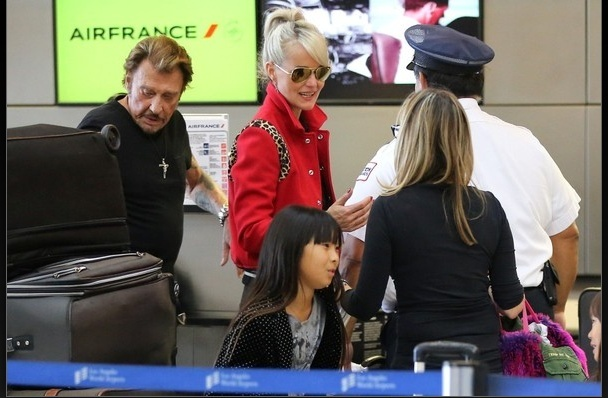 Johnny à l'aéroport de Los Angeles le 14 oct 2014 Captu175