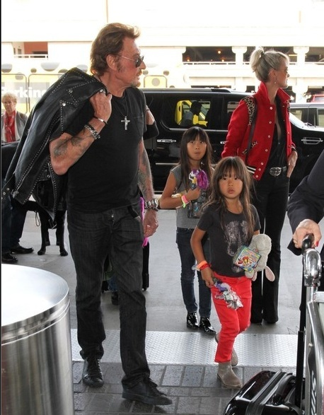 Johnny à l'aéroport de Los Angeles le 14 oct 2014 Captu178