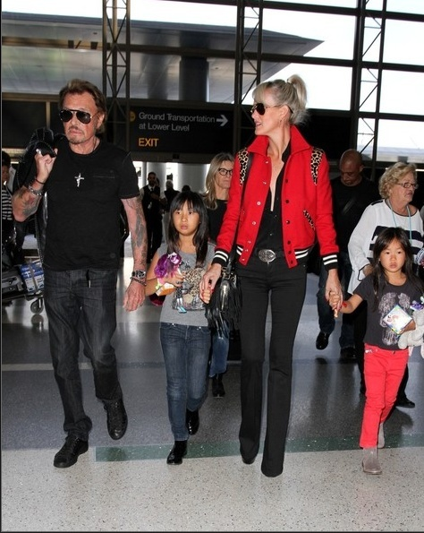 Johnny à l'aéroport de Los Angeles le 14 oct 2014 Captu181