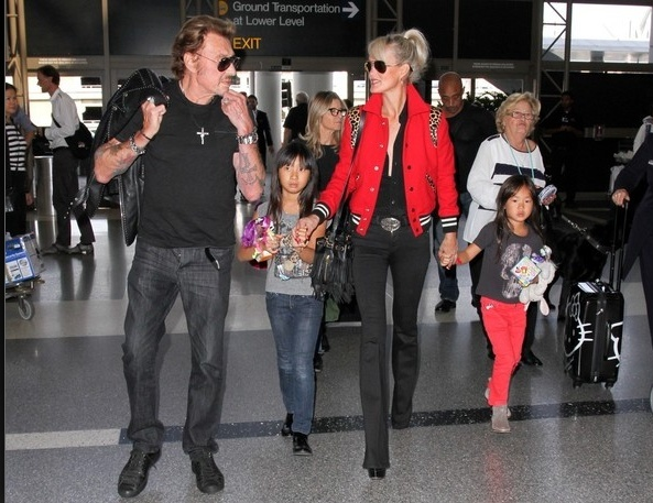 Johnny à l'aéroport de Los Angeles le 14 oct 2014 Captu183
