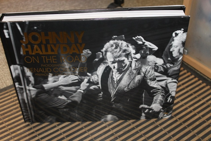 "[livre] Johnny Hallyday ""On the road"" Img_5610"