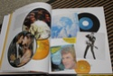[livre] Les objets Johnny Hallyday Souvenirs souvenirs.. Img_5328