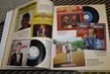 [livre] Les objets Johnny Hallyday Souvenirs souvenirs.. Img_5329