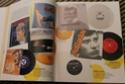 [livre] Les objets Johnny Hallyday Souvenirs souvenirs.. Img_5341