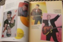 [livre] Les objets Johnny Hallyday Souvenirs souvenirs.. Img_5410