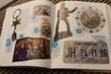 [livre] Les objets Johnny Hallyday Souvenirs souvenirs.. Img_5438