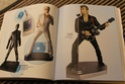[livre] Les objets Johnny Hallyday Souvenirs souvenirs.. Img_5441