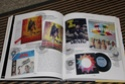 [livre] Les objets Johnny Hallyday Souvenirs souvenirs.. Img_5452