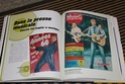 [livre] Les objets Johnny Hallyday Souvenirs souvenirs.. Img_5460