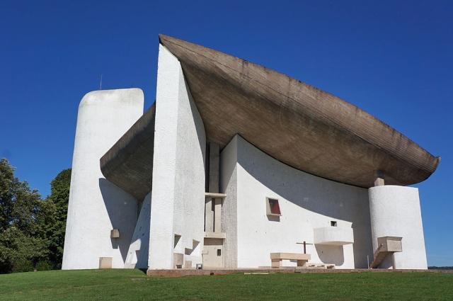 Chapelle Notre-Dame-du-Haut à Rondchamp - par Le Corbusier. 2012-c10