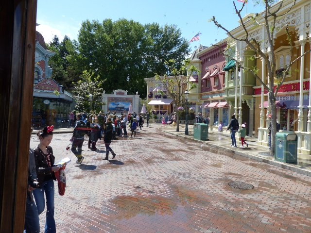 TR super séjour Saison du Printemps à Disneyland Paris - Sequoia Lodge (GFC) - du 13/05/14 au 16/05/14 [Saison 4 en cours - Episode 2 & 3 postés le 14/10/2014 !]   - Page 4 P1020939