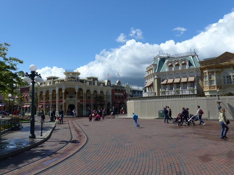 TR super séjour Saison du Printemps à Disneyland Paris - Sequoia Lodge (GFC) - du 13/05/14 au 16/05/14 [Saison 4 en cours - Episode 2 & 3 postés le 14/10/2014 !]   - Page 4 P1020944