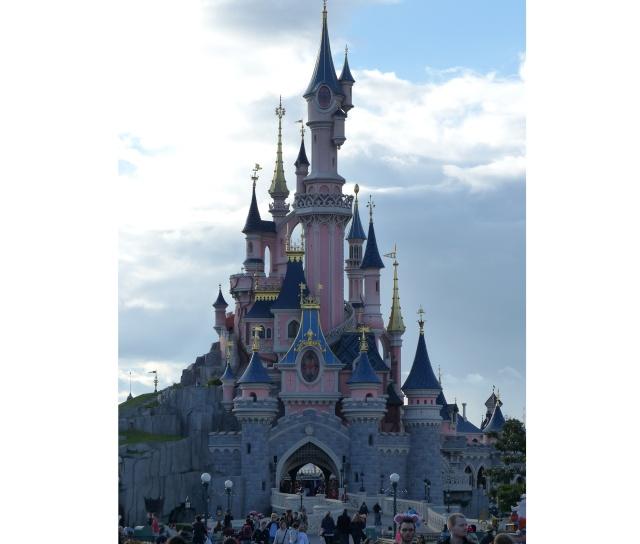 TR super séjour Saison du Printemps à Disneyland Paris - Sequoia Lodge (GFC) - du 13/05/14 au 16/05/14 [Saison 4 en cours - Episode 2 & 3 postés le 14/10/2014 !]   - Page 5 P1030010