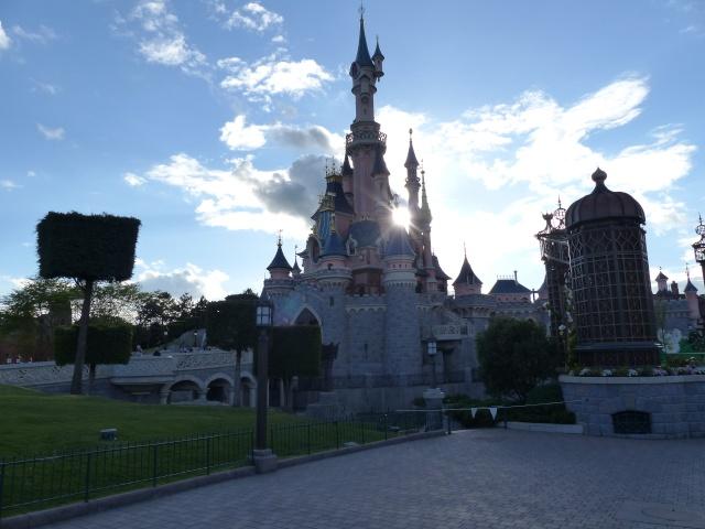 TR super séjour Saison du Printemps à Disneyland Paris - Sequoia Lodge (GFC) - du 13/05/14 au 16/05/14 [Saison 4 en cours - Episode 2 & 3 postés le 14/10/2014 !]   - Page 5 P1030011