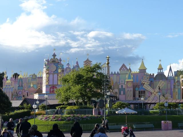 TR super séjour Saison du Printemps à Disneyland Paris - Sequoia Lodge (GFC) - du 13/05/14 au 16/05/14 [Saison 4 en cours - Episode 2 & 3 postés le 14/10/2014 !]   - Page 5 P1030013