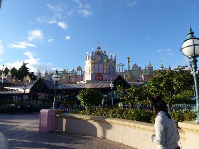 TR super séjour Saison du Printemps à Disneyland Paris - Sequoia Lodge (GFC) - du 13/05/14 au 16/05/14 [Saison 4 en cours - Episode 2 & 3 postés le 14/10/2014 !]   - Page 5 P1030015