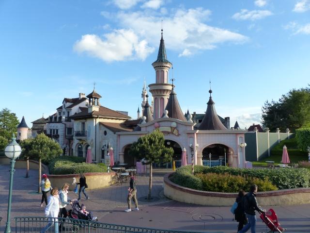 TR super séjour Saison du Printemps à Disneyland Paris - Sequoia Lodge (GFC) - du 13/05/14 au 16/05/14 [Saison 4 en cours - Episode 2 & 3 postés le 14/10/2014 !]   - Page 5 P1030016