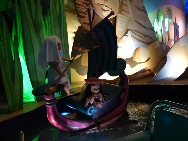 TR super séjour Saison du Printemps à Disneyland Paris - Sequoia Lodge (GFC) - du 13/05/14 au 16/05/14 [Saison 4 en cours - Episode 2 & 3 postés le 14/10/2014 !]   - Page 5 P1030030