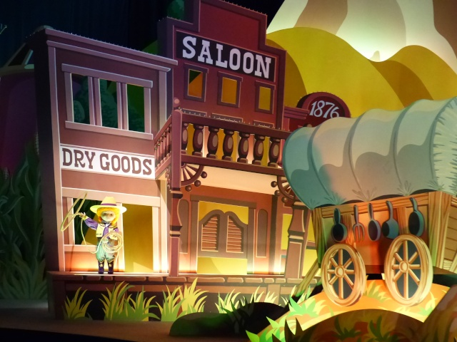 TR super séjour Saison du Printemps à Disneyland Paris - Sequoia Lodge (GFC) - du 13/05/14 au 16/05/14 [Saison 4 en cours - Episode 2 & 3 postés le 14/10/2014 !]   - Page 5 P1030031