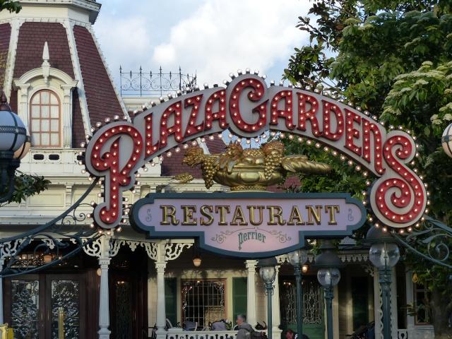 TR super séjour Saison du Printemps à Disneyland Paris - Sequoia Lodge (GFC) - du 13/05/14 au 16/05/14 [Saison 4 en cours - Episode 2 & 3 postés le 14/10/2014 !]   - Page 5 P1030042