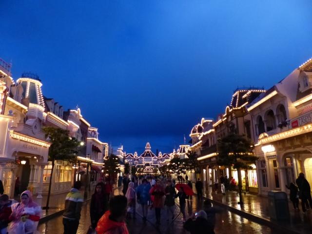 TR super séjour Saison du Printemps à Disneyland Paris - Sequoia Lodge (GFC) - du 13/05/14 au 16/05/14 [Saison 4 en cours - Episode 2 & 3 postés le 14/10/2014 !]   - Page 5 P1030056