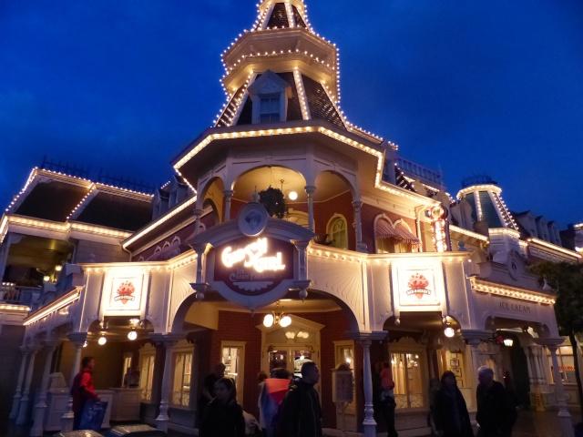TR super séjour Saison du Printemps à Disneyland Paris - Sequoia Lodge (GFC) - du 13/05/14 au 16/05/14 [Saison 4 en cours - Episode 2 & 3 postés le 14/10/2014 !]   - Page 5 P1030057