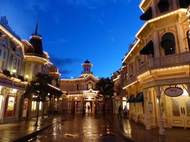 TR super séjour Saison du Printemps à Disneyland Paris - Sequoia Lodge (GFC) - du 13/05/14 au 16/05/14 [Saison 4 en cours - Episode 2 & 3 postés le 14/10/2014 !]   - Page 5 P1030058