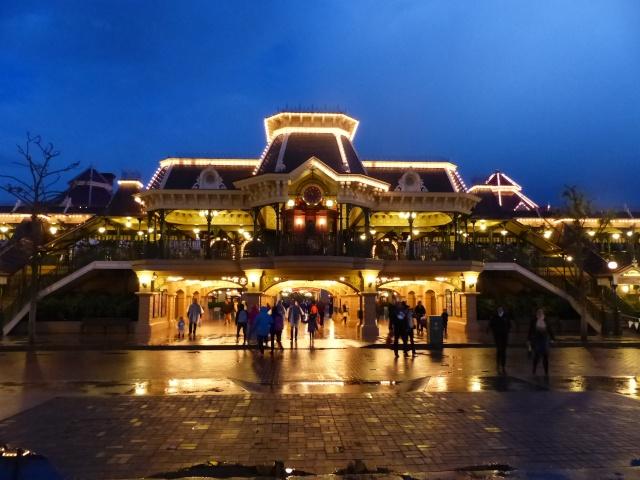 TR super séjour Saison du Printemps à Disneyland Paris - Sequoia Lodge (GFC) - du 13/05/14 au 16/05/14 [Saison 4 en cours - Episode 2 & 3 postés le 14/10/2014 !]   - Page 5 P1030059