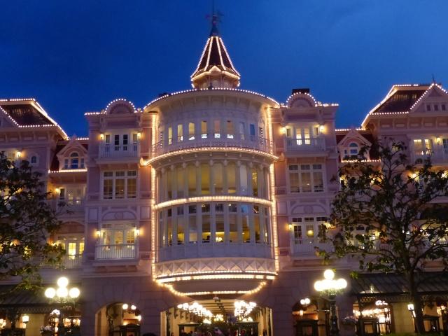 TR super séjour Saison du Printemps à Disneyland Paris - Sequoia Lodge (GFC) - du 13/05/14 au 16/05/14 [Saison 4 en cours - Episode 2 & 3 postés le 14/10/2014 !]   - Page 5 P1030060