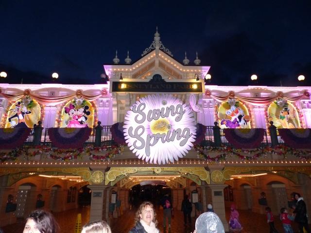 TR super séjour Saison du Printemps à Disneyland Paris - Sequoia Lodge (GFC) - du 13/05/14 au 16/05/14 [Saison 4 en cours - Episode 2 & 3 postés le 14/10/2014 !]   - Page 5 P1030061